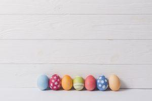 Comment décorer un oeuf de Pâques en fimo ?